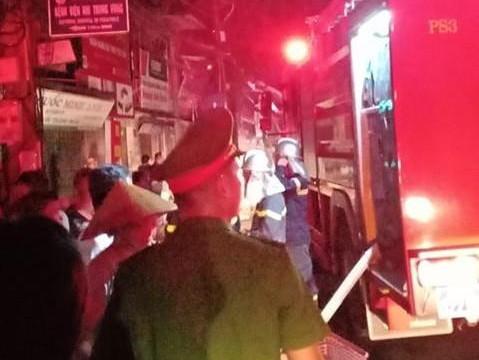 Hà Nội: Cháy lớn tại phố Đê La Thành