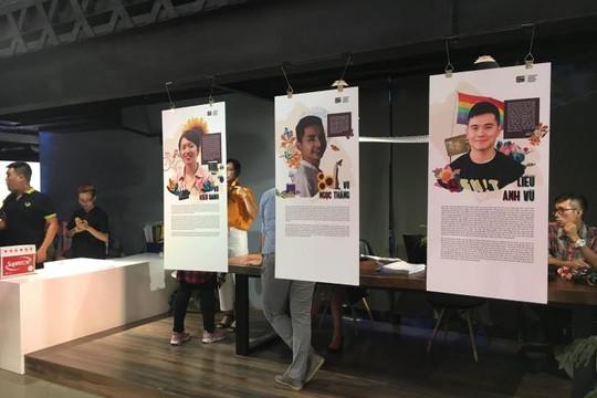 Triển lãm về lịch sử của người LGBTQ Việt thu hút người xem
