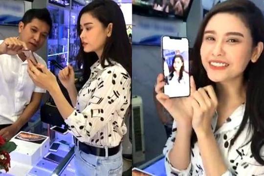 Sao Việt đầu tiên sở hữu iPhone XS Max 512GB giá gần 50 triệu