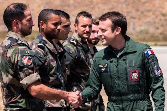 Tổng thống Pháp mất đồng minh khi Bộ trưởng Nội vụ  từ chức