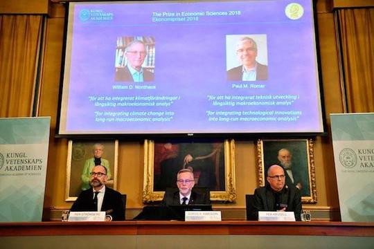 Hai năm liên tiếp giải Nobel Kinh tế về tay người Mỹ