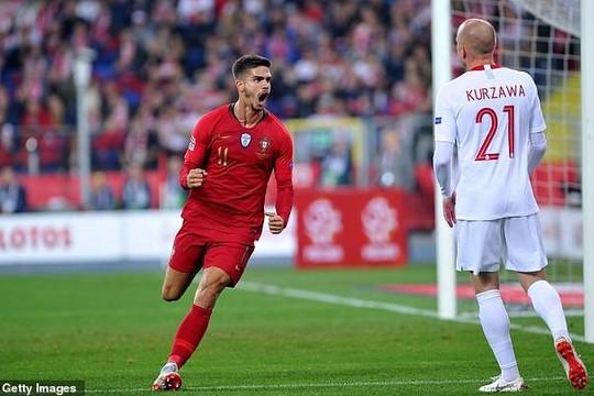 Bồ Đào Nha thắng không cần Ronaldo, đặt một chân vào bán kết