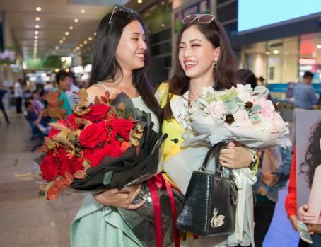 Hoa hậu Tiểu Vy đón mừng Phương Nga trở về sau Miss Grand International 2018