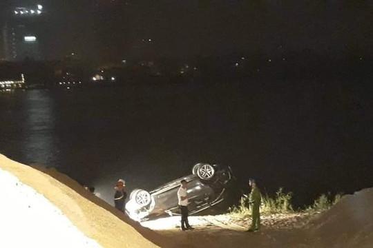 Xác định nguyên nhân vụ ô tô đâm đổ lan can cầu Chương Dương rơi xuống sông