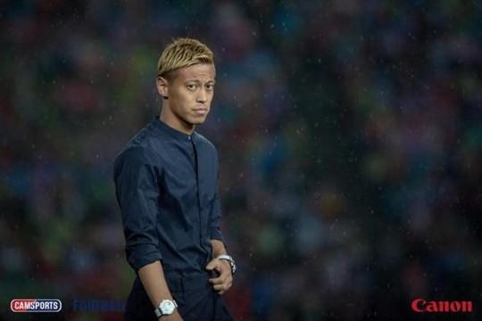 Fan Việt Nam lỡ dịp thấy ngôi sao người Nhật, Keisuke Honda trong trận gặp Campuchia