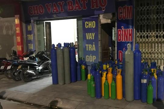 Quảng Ninh: Phát hiện và thu giữ hơn 200 bình chứa khí cười