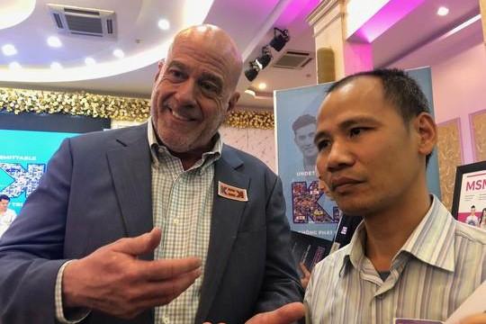 Giám đốc CDC Việt Nam: 'Tôi đồng tính, tôi có HIV'