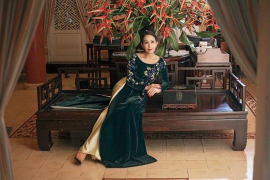 Diễm My khoe vẻ đẹp không tuổi với áo dài, nhớ về thời kỳ đỉnh cao nhưng thu nhập vẫn kém hơn người mẫu bây giờ