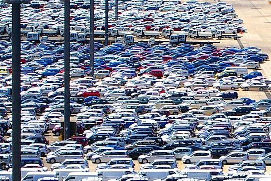 Lo ngại các hãng xe bí mật cung cấp thông tin cho Trung Quốc