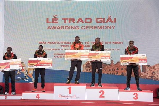 8.500 vận động viên tranh giải Marathon quốc tế TP.HCM Techcombank lần thứ 2