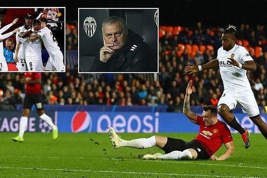 Man Utd 'chê' ngôi đầu bảng Champions League