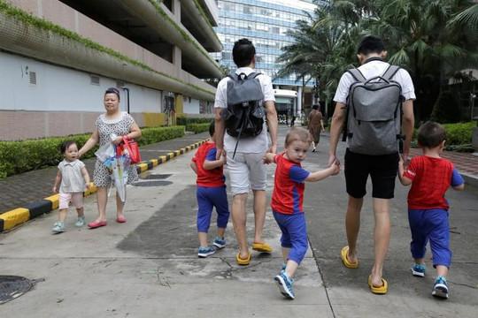 Trung Quốc: Đôi đồng tính nam thách thức những chuẩn mực về gia đình