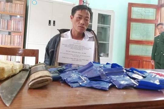 Bắt người đàn ông vận chuyển gần 12 nghìn viên ma túy tổng hợp