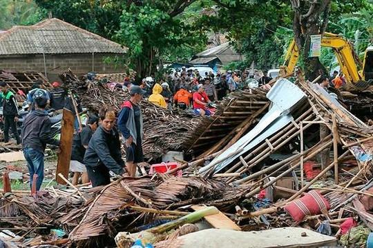 Số thiệt mạng do sóng thần ở Indonesia đã vượt 220 người