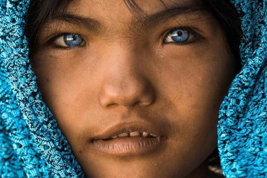 Vẻ đẹp chân dung những dân tộc thiểu số Việt Nam từ góc máy một nhiếp ảnh gia Pháp