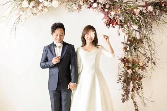 Tiến Đạt bí mật về quê Thụy Vy làm đám cưới, Phương Thanh livestream lên Facebook