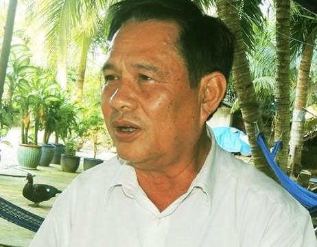 Vụ chống tiêu cực lãnh đạo huyện bị mất chức:  'Đứng hình' với ông chuyên viên 'quèn' bán nước mía