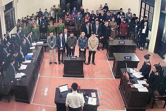 Vụ tai biến chạy thận: Bác sĩ Hoàng Công Lương vắng mặt tại phiên xét xử