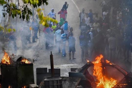 Nổi dậy chống chính phủ, một nhóm cảnh vệ quốc gia Venezuela bị bắt
