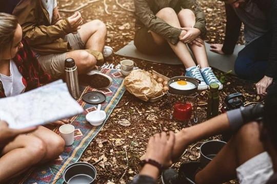 Bạn bè là người giúp đời ta thêm hương sắc