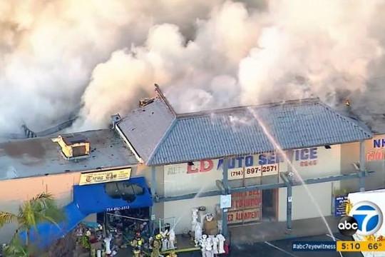 Mỹ: Cháy lớn ở thương xá Phúc Lộc Thọ của người Việt