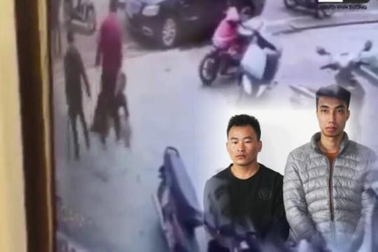 Clip 2 thanh niên máu lạnh đánh người trộm bó đào đến chết ở Lào Cai