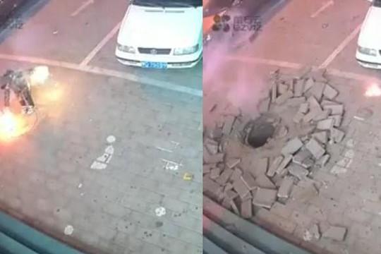 Sửu nhi nghịch pháo sáng gần nắp cống gây ra vụ nổ khủng khiếp: Vì đâu?
