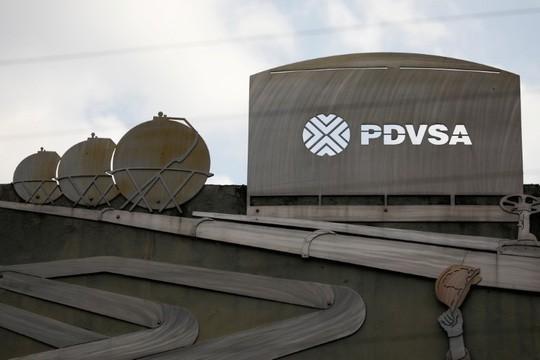 Bị Mỹ cấm vận tài khoản, Venezuela mở tài khoản tại Nga để thu tiền bán dầu