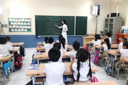 Cao trên 1m5 mới được thi sư phạm: Có cấm người khuyết tật làm giáo viên?