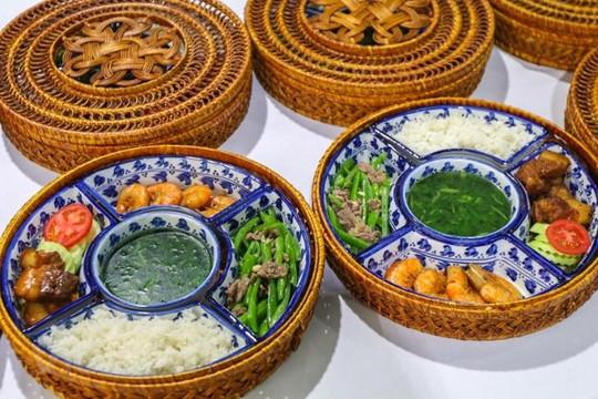 Hội nghị thượng đỉnh Mỹ - Triều: Phóng viên quốc tế thích thú với ẩm thực Việt Nam