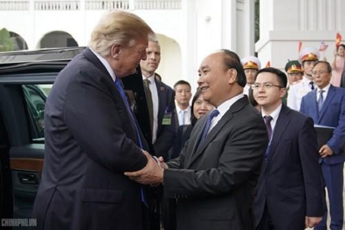 Thủ tướng Nguyễn Xuân Phúc đón tiếp Tổng thống Mỹ Donald Trump