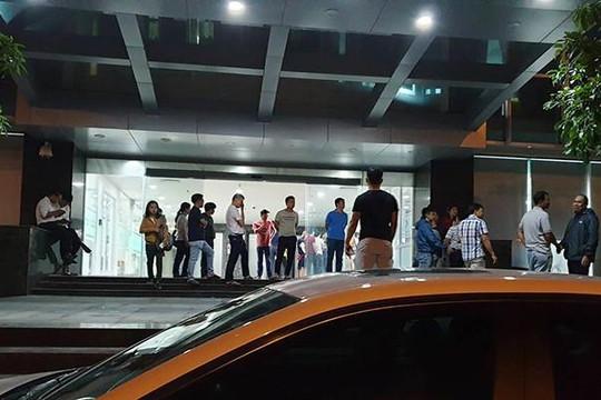 Hàng trăm người bao vây công ty Hoàng Nhất Nam đòi sổ đỏ trong đêm