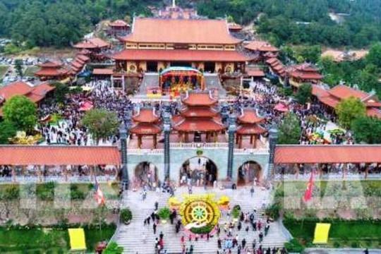 ĐBQH Lê Thanh Vân: Cần làm rõ có hay không hành vi mê tín, lừa đảo tại chùa Ba Vàng