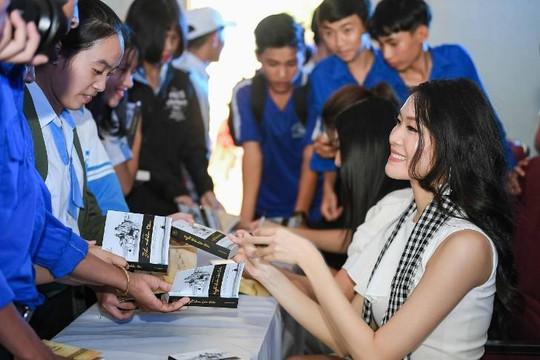 Hoa hậu Thùy Dung: 'Những bài học trong sách như thần chú để vượt qua thử thách'