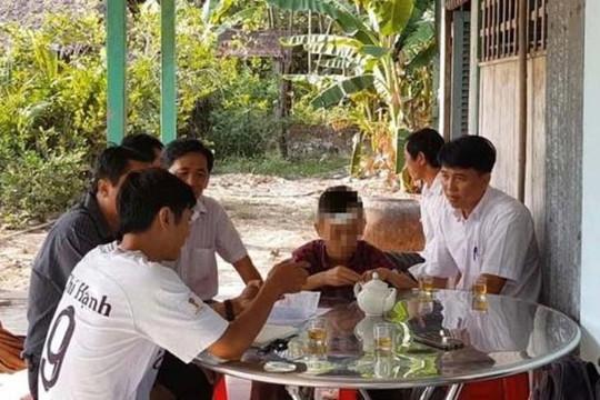 Vĩnh Long: 2 học sinh đánh nhau tét đầu, nhà trường bị tố bỏ mặc