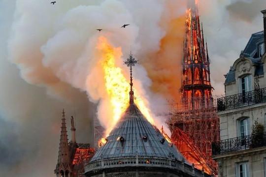 Nga sẵn sàng giúp Pháp khôi phục nhà thờ Đức Bà Paris