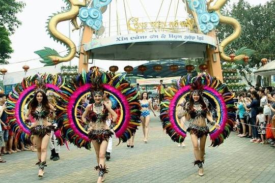 Hang Múa, Mộc Châu, Công viên nước Hồ Tây là những điểm đến thú vị cho các gia đình trong dịp 30.4