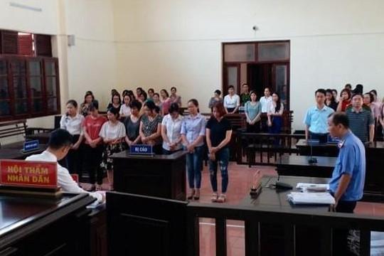 8 bác sĩ, điều dưỡng lợi dụng chức vụ tại BVĐK tỉnh Hòa Bình