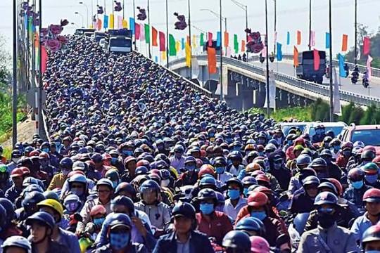 Chuyên gia Phạm Chi Lan: Ba câu hỏi cho dự án đường cao tốc Bắc-Nam