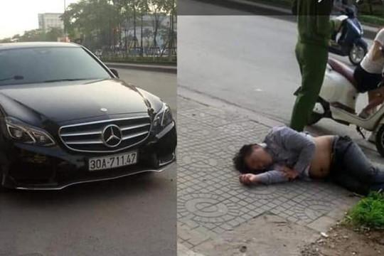 Đại gia ở Hà Nội say quắc cần câu, dừng ô tô lên vỉa hè nằm ngủ ngon lành