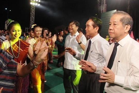 Ngày hội giao lưu văn hóa các dân tộc Việt-Lào
