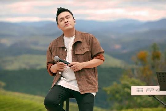 Chỉ một hợp đồng âm nhạc, ca sĩ Lam Trường đã lên hàng 'đại gia' khi mới vào nghề