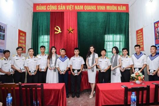 'Hành trình từ trái tim' đến với bộ đội biên phòng tỉnh Quảng Ninh