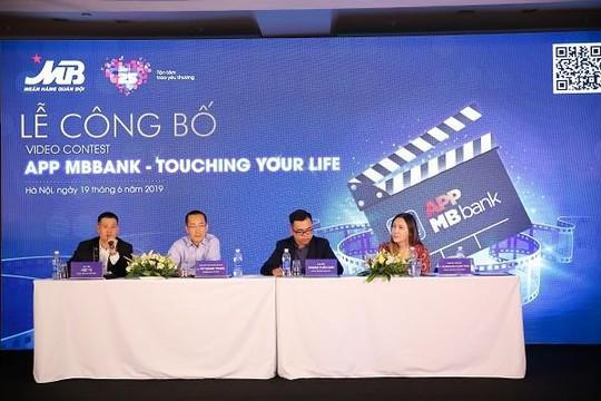 Đạo diễn Việt Tú bật mí cách đạt được 500 triệu tiền thưởng cho các bạn trẻ đam mê công nghệ