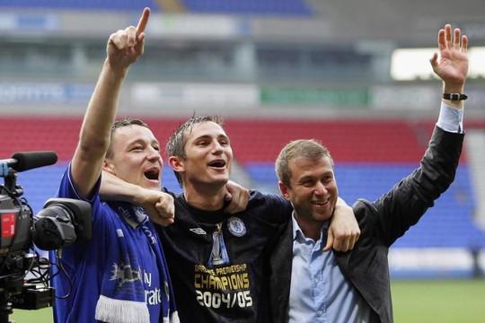 Roman Abramovich hứa đảm bảo công việc của Frank Lampard ở Chelsea