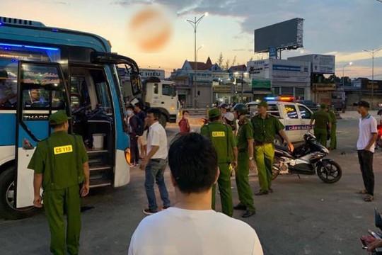 Đạo tặc đập cửa kính, cướp xe khách Cúc Phương ở Biên Hòa