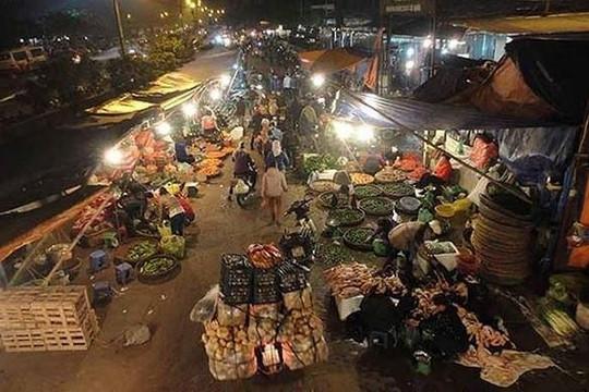 Tách tài liệu liên quan đến sai phạm tại Ban quản lý chợ Long Biên