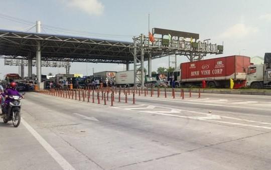 Bộ GTVT 'lệnh' Tổng cục Đường bộ không được dừng thu phí tại 3 trạm BOT