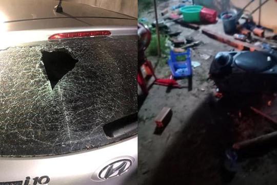 Bắt nhóm 13, 14 tuổi cầm hung khí cướp tiền, ném bể kính ô tô: Xử lý thế nào?