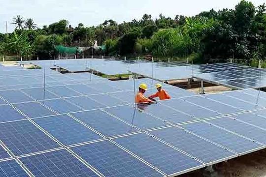EVN nói gì về việc lưới điện chạy theo dự án điện mặt trời?